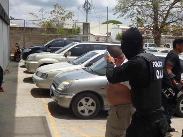 Los detenidos fueron llevados por agentes judiciales a los Tribunales de Liberia, donde se les abrió un proceso penal por el delito de tráfico ilícito de migrantes, hecho que tiene una pena que va de cuatro a ocho años de prisión. | CARLOS VARGAS