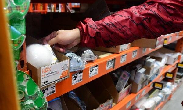 En países donde el virus está presente la venta de mascarillas ha aumentado