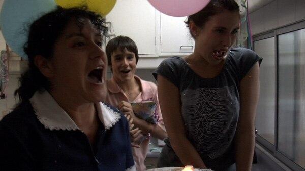 En 'La Nana', Lucy, una risueña mujer de provincia, logra penetrar la coraza de Raquel y cambiar su forma de ver la vida. Foto: El Mercurio/Chile/GDA