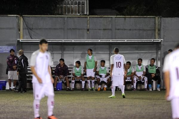 Solís jugó apenas ocho minutos.