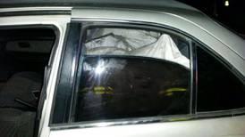 Policía halla 243 kilos de marihuana oculta en sacos de gangoche dentro de un carro