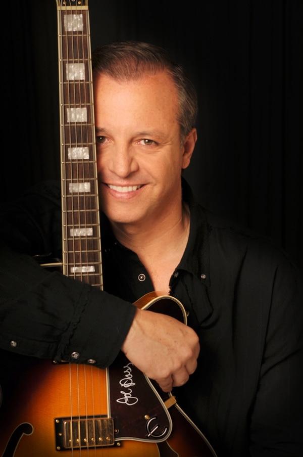 Conocido.Alberto Plaza, cantautor chileno. Cortesía 94-7 FM