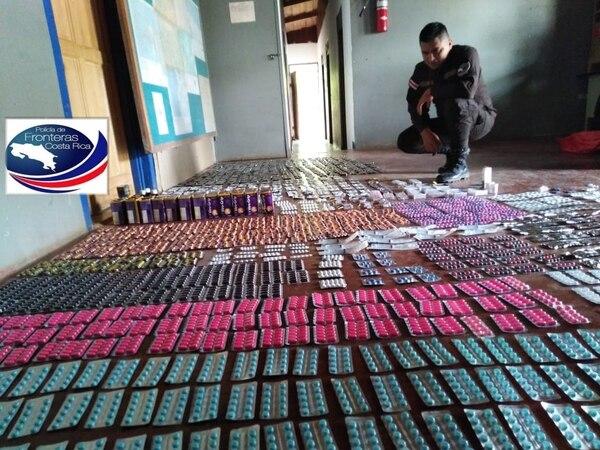 Los medicamentos fueron enviados a la oficina regional del Ministerio de Salud para su destrucción. Foto: Policía de Fronteras.