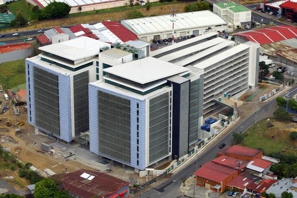 BCR Safi e Improsa Safi fueron las sociedades más dinámicas en la compra de inmuebles. Entre abril de 2016 y marzo de 2017 adquirieron 22 de los 32 edificios adquiridos por la industria. El gasto por la compra de los activos entre ambas ascendió a $203 millones. Gran parte de la inversión de Improsa Safi se ubicó en el centro corporativo El Tobogán.   ARCHIVO