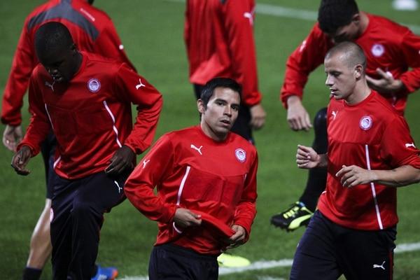 Joel Campbell (izq. ) y Javier Saviola andan de la mano con el gol. El tico es duda; sin embargo, el argentino seguramente será titular. | EFE