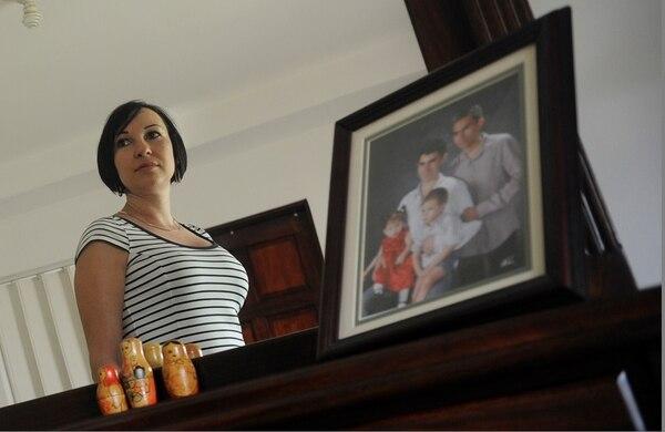 Apenas recuperándose del parto de su cuarta hija, Laura Díaz supo que dos pelotitas que le habían indicado ser grasa meses atrás eran, en realidad, cáncer.