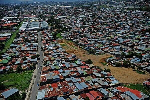 Pavas fue uno de los puntos en San José donde sufrieron por el apagonazo generado en Honduras, según personeros del ICE. | ALBERT MARÍN