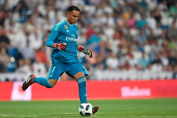 Keylor Navas durante el partido ante el Milan, este sábado en el Santiago Bernabéu. Fotografía: AFP