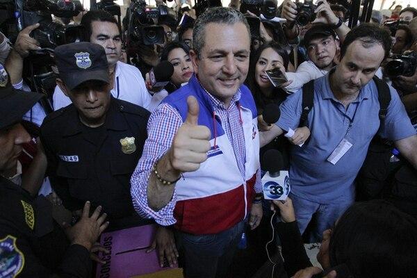 El candidato por el partido de oposición, Alianza Republicana Nacionalista (ARENA), Edwin Zamora, reconoció que las cifras parciales no favorecen a la agrupación.