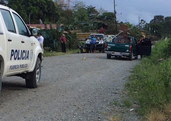 El fallecido sufrió un ataque a balazos cuando conducía su 'pick-up' Nissan. Lo acompañaba un sobrino de 11 años, quien resultó ileso. El crimen generó asombro entre los vecinos del lugar. | ALEJANDRO NERDRICK
