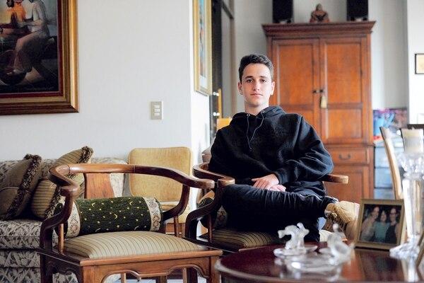 El recuerdo más claro de Dan sobre su abuelo es verlo sentado esa silla, que todavía permanece en su casa.