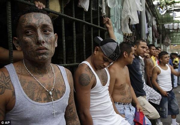 En El Salvador hay entre 30.000 y 60.000 integrantes de pandillas