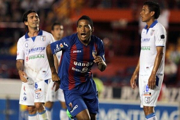 Michael Arroyo, del Atlante, anotó cuatro goles ante el Querétaro y se puso segundo en la tabla de goleadores de la liga mexicana. | EFE.