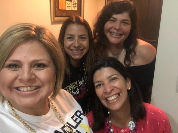 Betsy Rojas, Doriam Díaz, Carol Cordero y Sandra Zumbado integran el equipo de 'Nueva Normalidad', programa que se transmite por Facebook Live. Fotografía: Cortesía