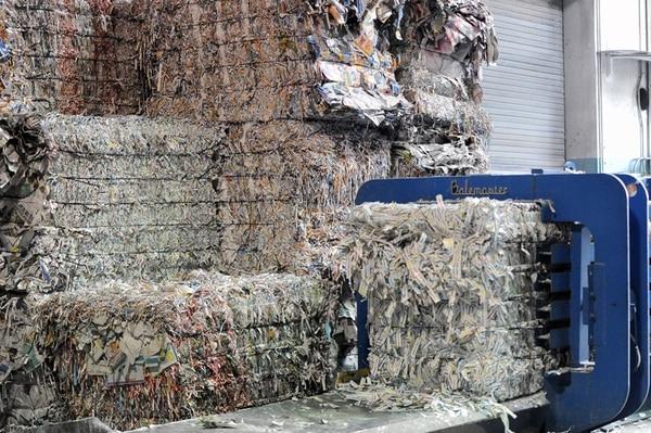 La diversificación de negocios es una apuesta utilizada por los solidaristas. Asenacsa (Grupo Nación) comercializa desechos de papel.   MELISSA FERNÁNDEZ.