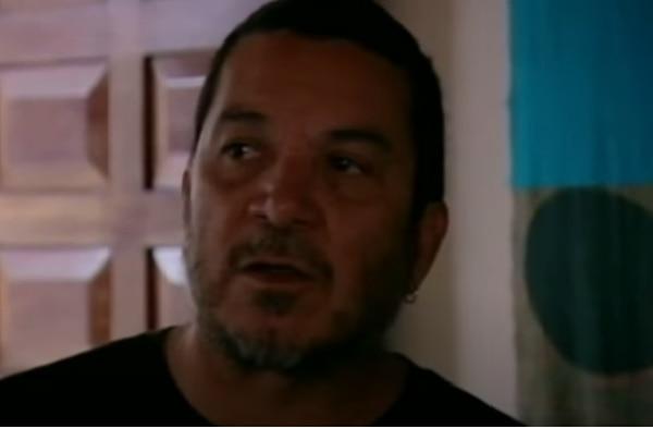 El biólogo ambientalista Randall Arauz aparece en la producción que Ramsay filmó en Costa Rica, en el 2010. Captura de pantalla