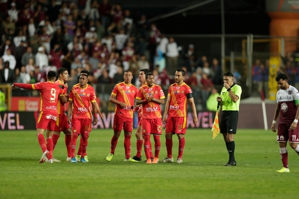 Herediano venció a Saprissa en penales en la semifinal del torneo. Fotografía José Cordero