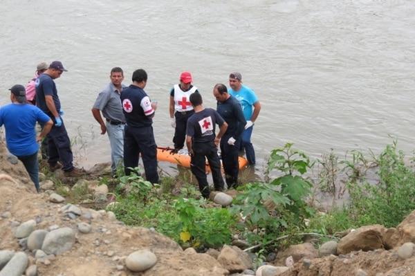 Dos días después de haber caído al río, un vecino divisó el cuerpo del lugareño desaparecido. Foto: Alfonso Quesada.