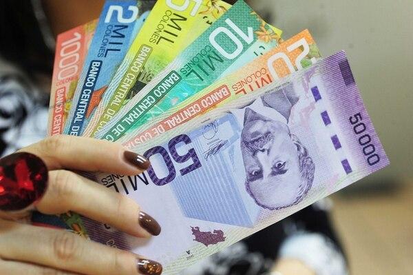 Disminuir la circulación de billetes de alta denominación o aplicar un tributo al pago en efectivo son estrategias en consideración. | ARCHIVO