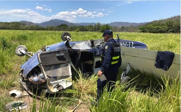 La avioneta cayó en finca Nazareno, en Paquera.