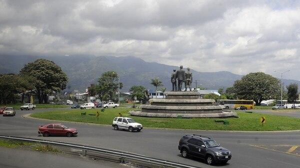 Para la construcción del paso a desnivel en Garantías Sociales será necesario trasladar el monumento. Fotografía: Archivo La Nación