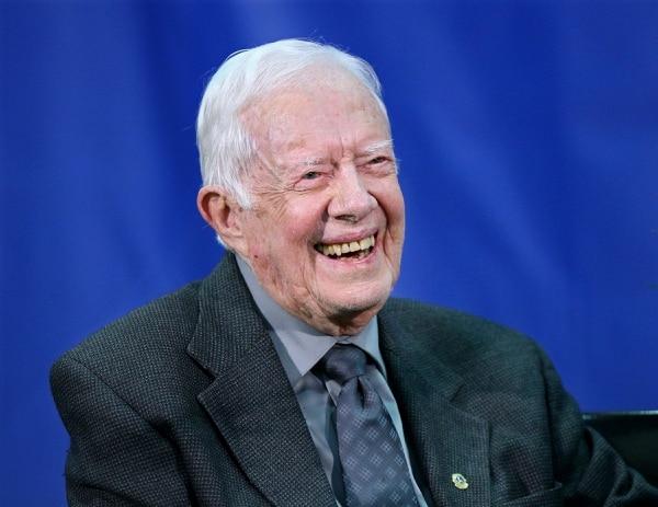 En esta foto de archivo del 18 de setiembre del 2018, el expresidente Jimmy Carter responde a preguntas durante su reunión anual con el estudiante de primer año de la Universidad Emory en el gimnasio del campus en Atlanta. Foto: AP