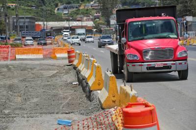 H Solís suspendió obras en Taras y La Lima por falta de pago del MOPT