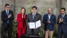 Firmada ley que prohíbe el estereofón en Costa Rica