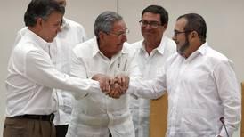 Exguerrilla pide a expresidente Santos interceder para frenar 'masacre' en Colombia