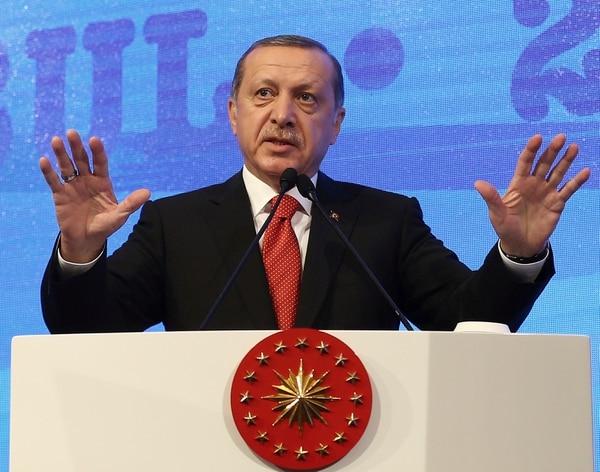 El presidente turco, Recep Tayyip Erdogan, se dirigió este lunes a una asamblea parlamentaria de la OTAN en Estambul.