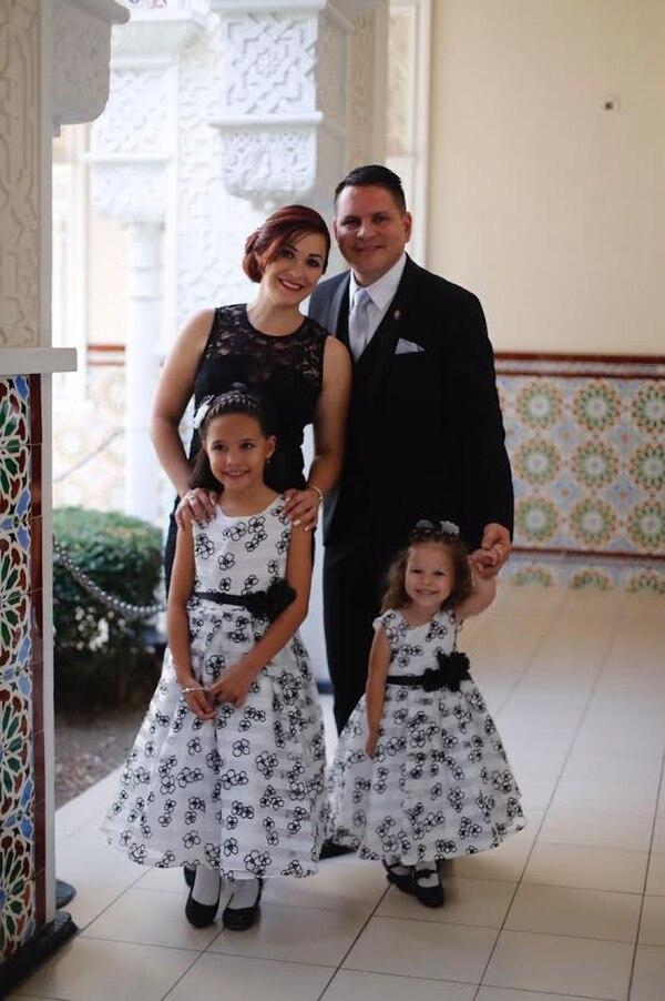Fabricio Alvarado y familia