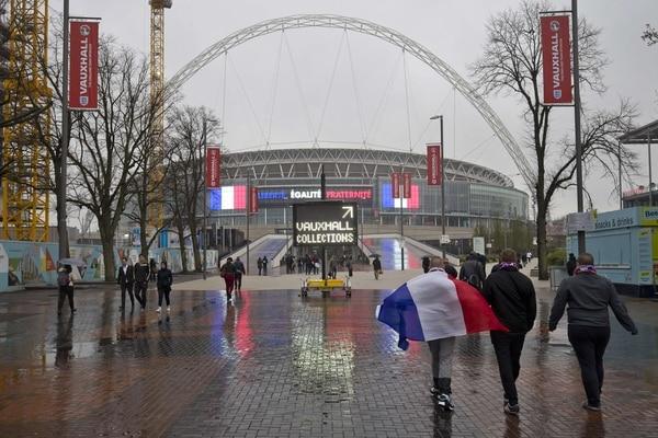 Así luce el estadio de Wembley horas antes del amistoso entre Inglaterra y Francia.