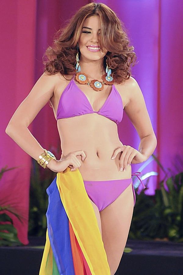 Fotografía del 26 de abril del 2014 de la coronación de la candidata de Honduras a Miss Mundo 2014 María José Alvarado en la Ciudad de San Pedro Sula, al norte de Honduras.