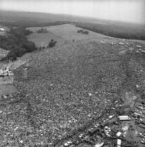 Unas 400.000 fueron parte del festival de Woodstock, cientos de miles más de los esperados. AP Photo.