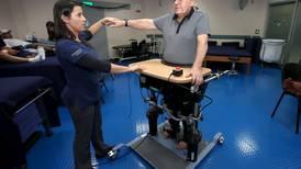 Tres robots ayudan a pacientes a recuperar su movilidad en el Hospital del Trauma