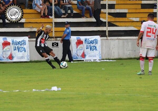 Yeison Esquivel es la referencia ofensiva del Diriangén, el tico tiene dos goles en tres encuentros. Fotografía: Facebook del Diriangén.