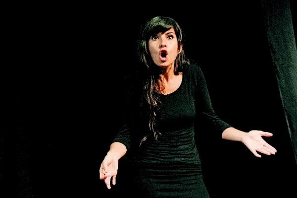 La actriz Beatriz Brenes espera dirigir en el teatro, además de que confiesa que una de sus más grandes pasiones es la dramaturgia. Mayela LópezSueños.