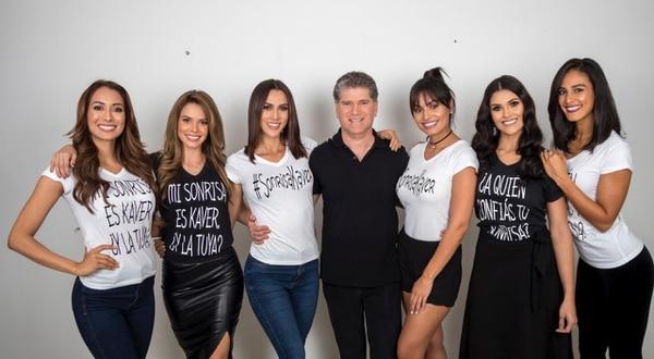 Seis Miss Costa Rica comparten con el odontólogo Luis Kaver. Foto: Arnoldo Robert.