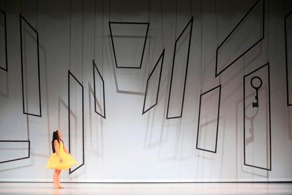 Alicia (Isabel Guzmán en la foto) entra a un mundo desconocido. Foto: Rafael Pacheco