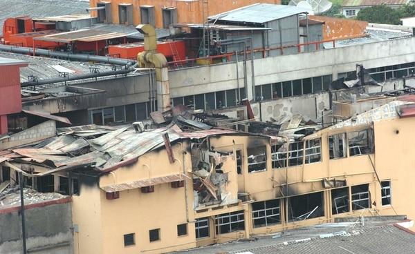 El incendio del Hosital Calderón Guardia murieron 21 personas. El siniestro fue provocado por un trabajador del centro médico. | MARIO ROJAS.