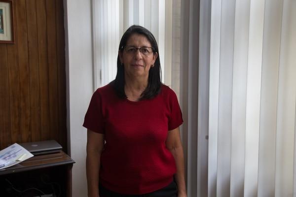 Alejandra Acuña Navarro es una de los dos viceministros de Salud. Enfermera de profesión, acumula 37 años trabajando en el Ministerio de Salud. Fotos: María José Howell