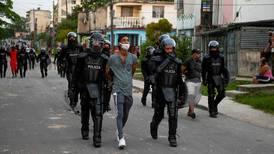 Al menos un fallecido y 130 detenidos en recientes protestas en Cuba