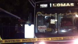 Sujetos suben a bus y asesinan a pasajero