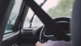 ¿Cómo solicitar el permiso temporal para conducir? Se lo explicamos