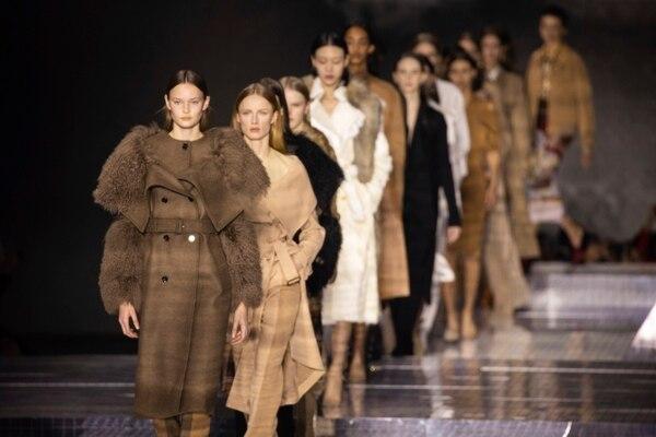 Pasarela de Burberry, colección Otoño/Invierno 2020 en Fashion Week de Londres. (Foto: Vianney Le Caer/Invision/AP)