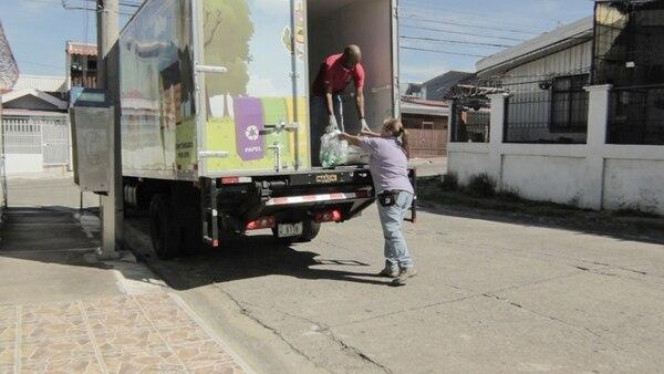 Para los materiales de reciclaje se contará con un camión especial, diferente a los destinados a residuos ordinarios, que pasará dos veces al mes por cada uno de los 10 sectores. | CORTESÍA DE TIBÁS RECICLA