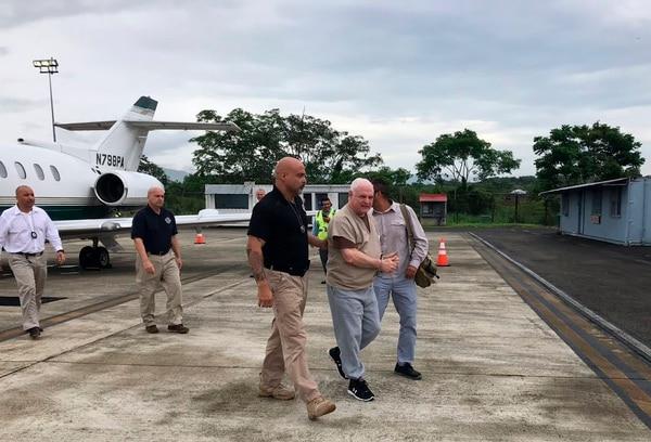El exmandatario Ricardo Martinelli llegó el 11 de junio del 2018 al aeropuerto internacional Tocumen, de Panamá. Lo escoltaban agentes del Servicio de Alguaciles de Estados Unidos.