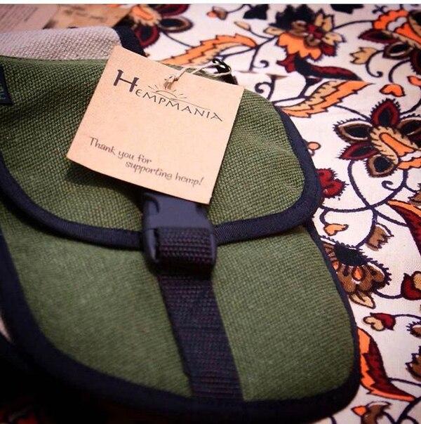 Este bello bolso está elaborado con fibras de cáñamo. Los textiles son otro de sus mercados. Foto: Cortesía de Cáñamo Industrial Costa Rica