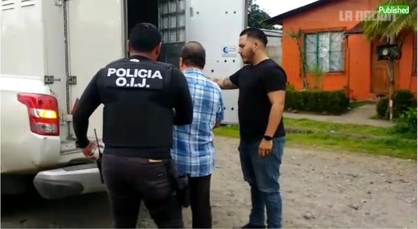 La Fiscalía y el Organismo de Investigación Judicial (OIJ) allanaron el lunes la casa del alcalde de Guácimo y lo detuvieron. Foto: Reiner Montero