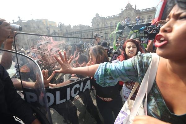 Activistas del grupo Keiko No Va protestaron el jueves en Lima. | EFE.